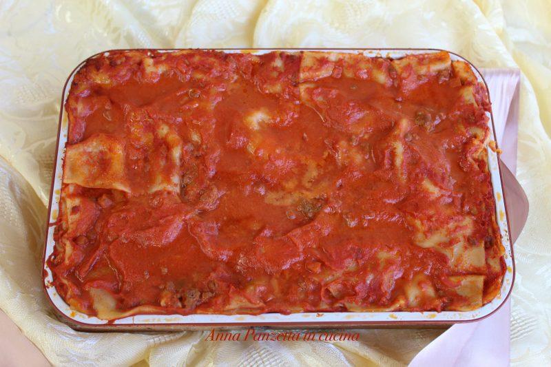 Lasagna con sugo e besciamella