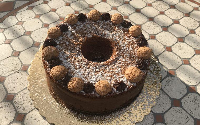 Chiffon cake con Amaretti e crema Pan di Stelle