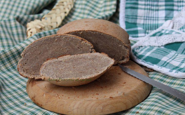 Pane con farina di quinoa rossa