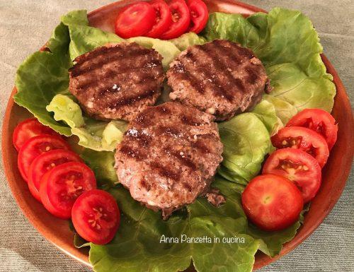 Hamburger di carne farciti