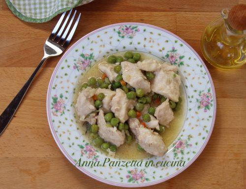 Bocconcini di pollo con piselli