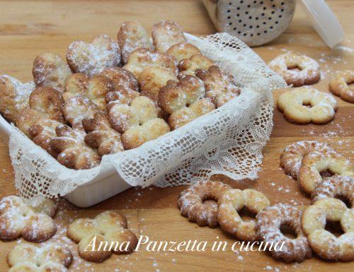 Biscotti con la sparabiscotti